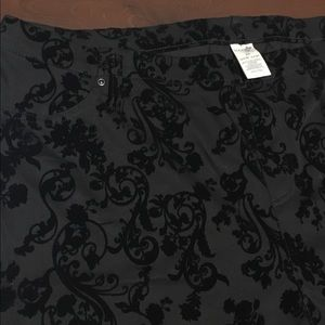 Size 2X Black Leggings W/Faux Velvety Designs